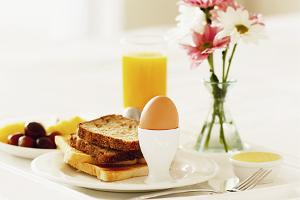 Toast-with-egg-jpg