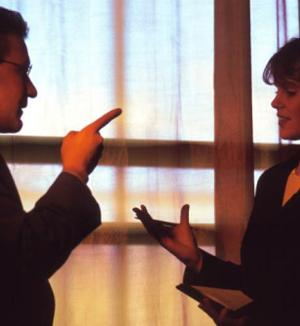 Smart-ways-to-handle-office-conflicts