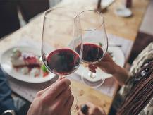 Dine-with-wine-for-better-cholesterol-management