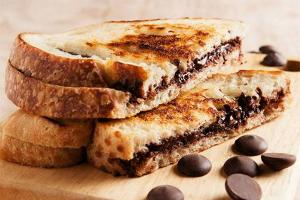 chocolate-sandwich